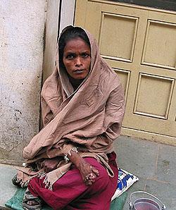 Индийская женщина требует секса